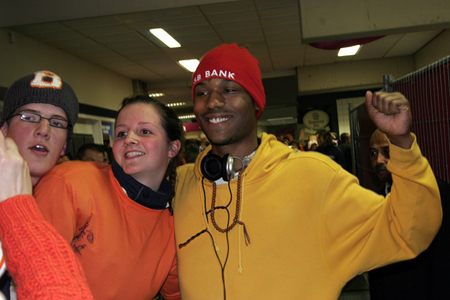 Shani Davis With Dutch Fans